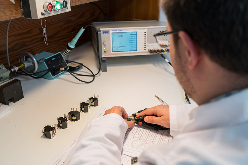 Técnico Pomceg Electronics